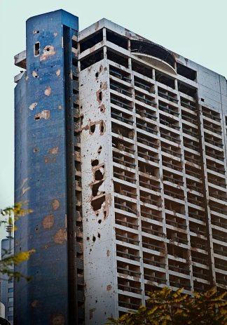 holiday-inn-beirut-bombed